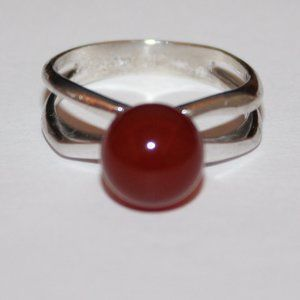 Vintage sterling silver ring red stone sz.7.5